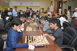يستضيف نادي الشارقة الثقافي للشطرنج يوم السبت  30- ابريل 2016 بطولة الامارات لفرق المدارس بمشاركة واسعه من مدارس الدولة  حيث يتوقع مشاركة ما يزيد عن 350 لاعب ولاعبه.